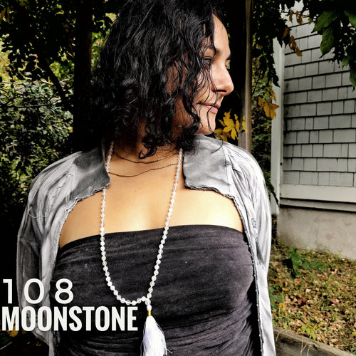 Moonstone 108 knotted