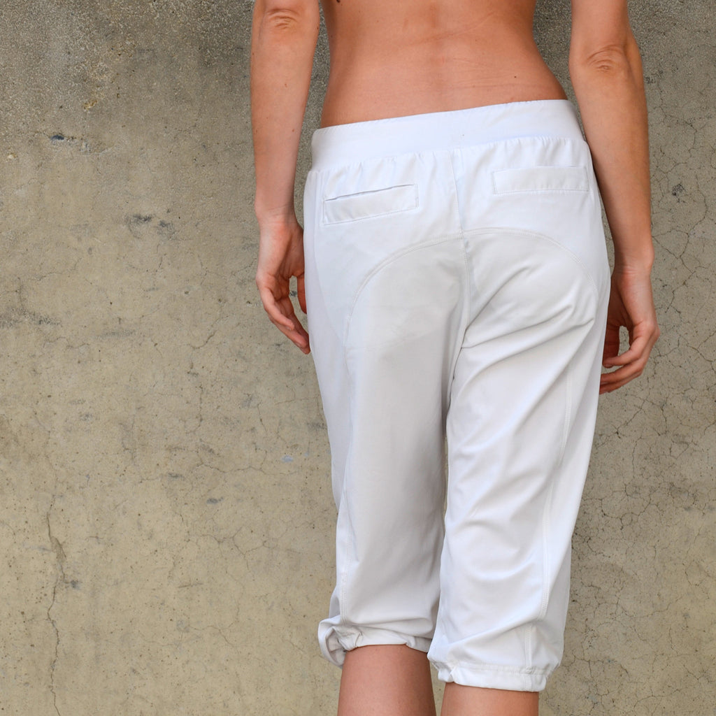 Airpants - Ultra Light Capri Pants - Khaki