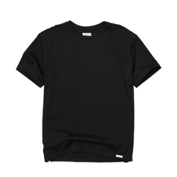 THE ESSENTIAL TEE - BLACK