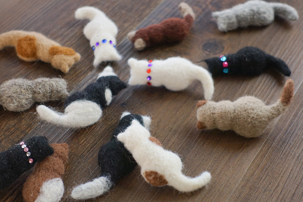 cookie cutter felted cats by Cat At Roof