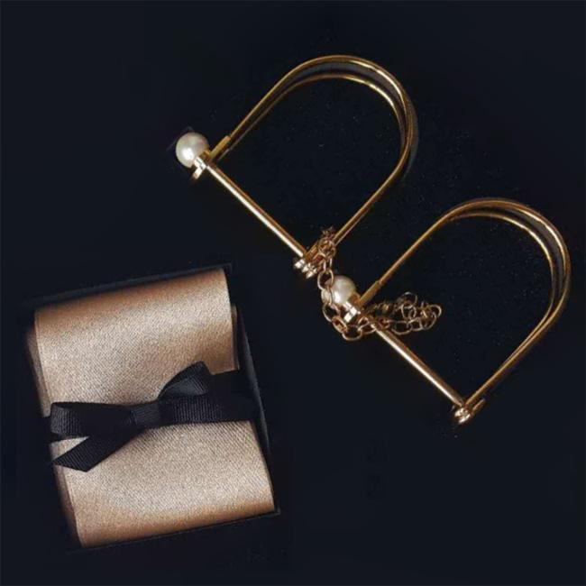 Bamboo Gift Box: Uberlube Silicone Lubricant, Slip Silk Band, Lock & Pearl Cuff and Lucky in Love Gold Dice