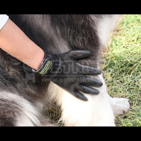 Patent Pet Shedding Grooming Gloves for Cats, Dogs & Horses (One Pair)