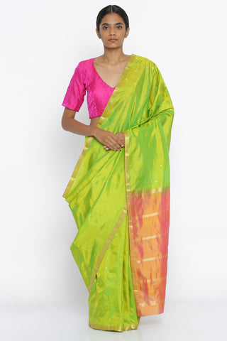 Green Handloom Pure Silk Traditional Saree with All Over Gold Zari Motif and Pink Pallu