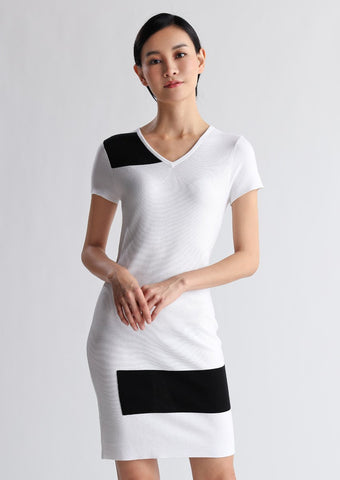 Short-sleeved black and white cotton dress