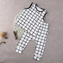 Load image into Gallery viewer, Plaid Top and Pants - Mom and Bebe Ph