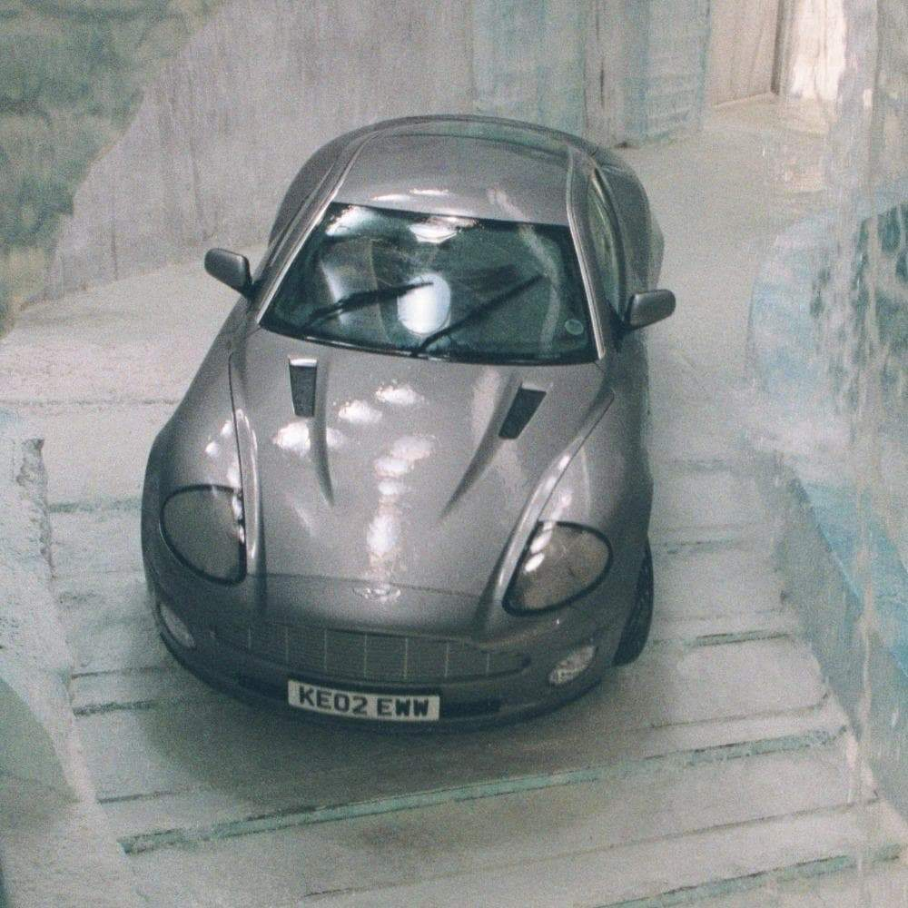 007 Aston Martin V12 Vanquish Light & Sound Car - Die Another Day Secret Agent Edition - 007STORE