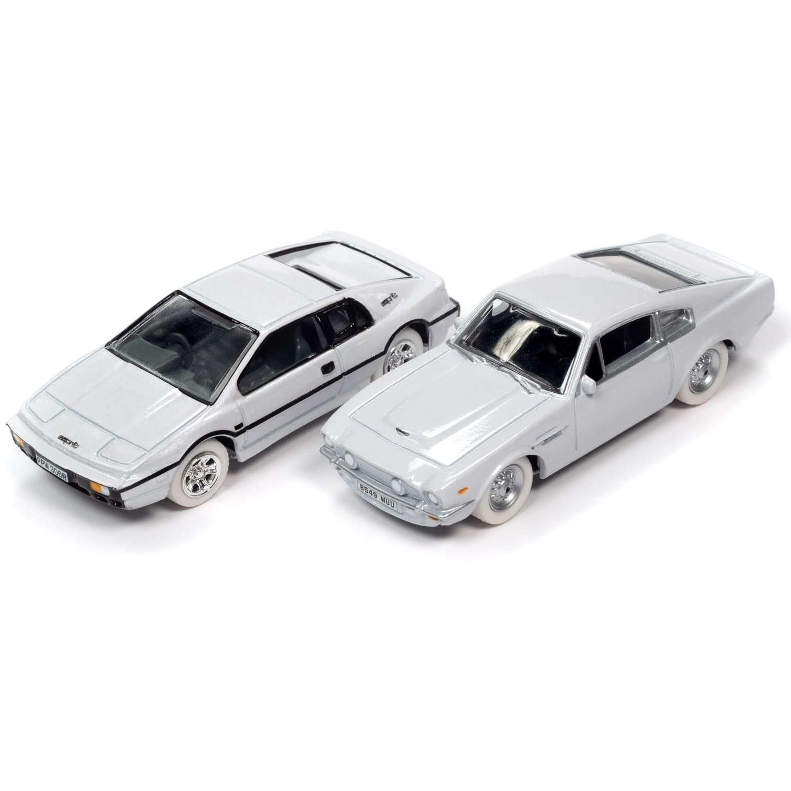 Aston Martin V8 with Display Tin - No Time To Die Edition - by Round 2 (Pre-order)