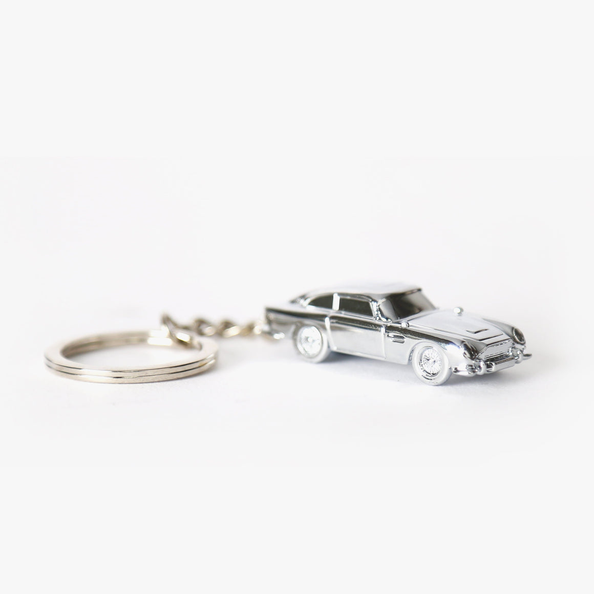 Aston Martin DB5 Keyring l Official James Bond 007 Store