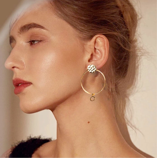 Luna Hammered gold hoop earring