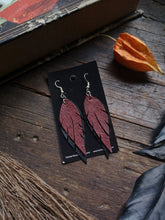 Load image into Gallery viewer, Feather Earrings - Wine and Black - Hammerthreads