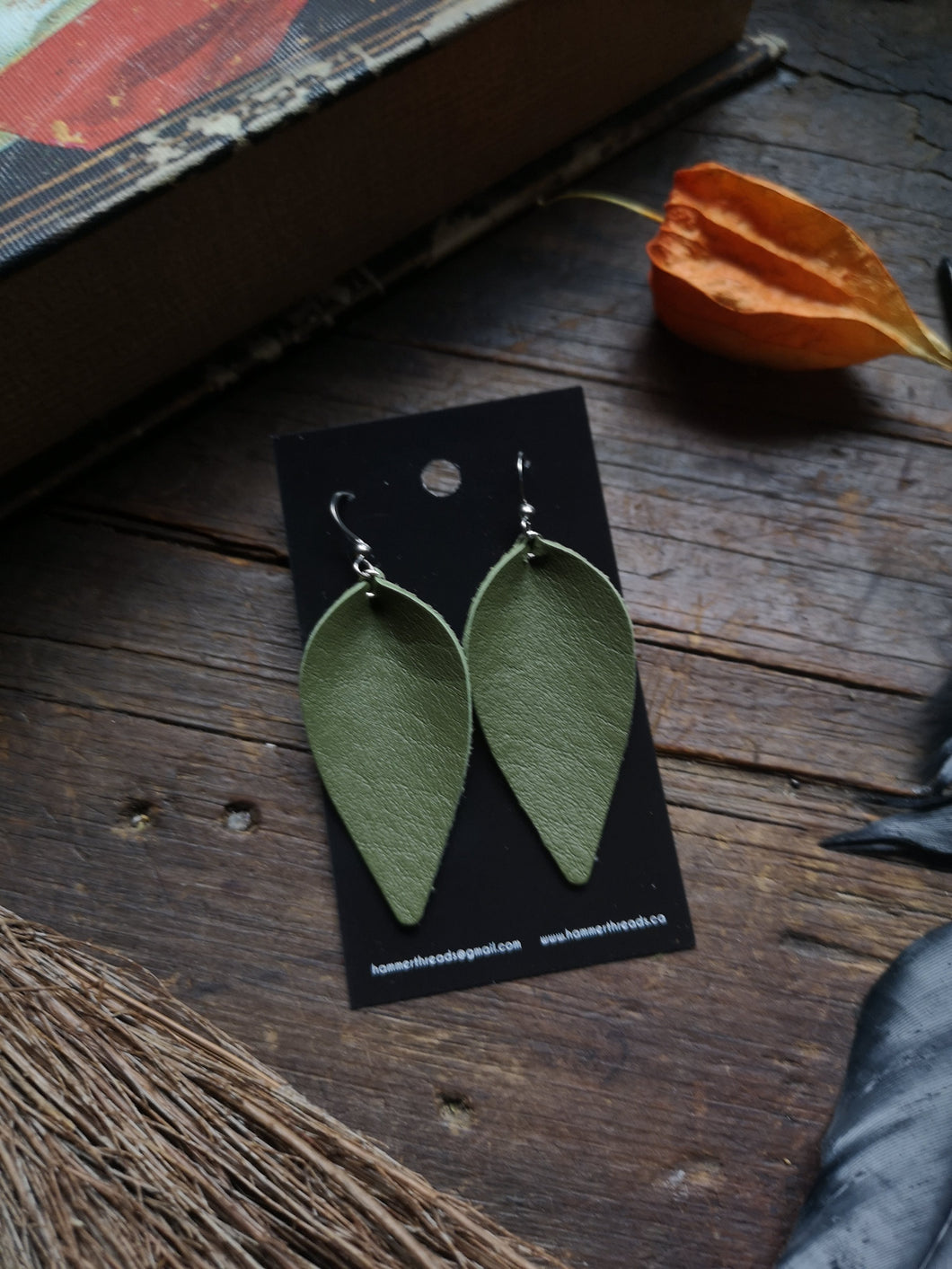 Pinched Leaf Earrings - Large - Light Green - Hammerthreads