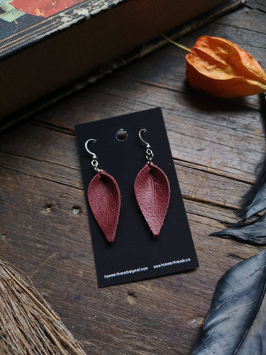 Pinched Leaf Earrings - Small - Wine - Hammerthreads