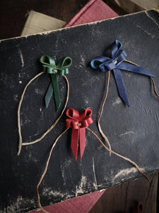 Recycled Leather Bows - Small - Hammerthreads