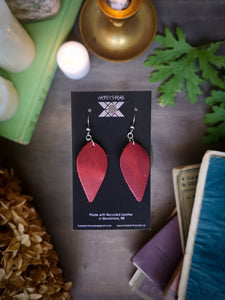 Leaf Earrings - Garnet - Hammerthreads