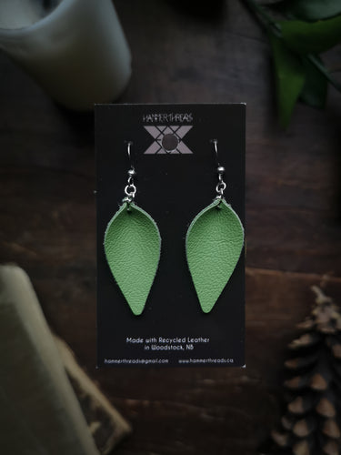 Pinched Leaf Earrings - Small - Kiwi - Hammerthreads