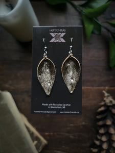 Pinched Leaf Earrings - Small - Gold