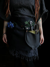 Load image into Gallery viewer, Harvesters Hip Pouch - Cauldron - Hammerthreads