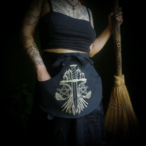 Cauldron Apron - Harvest Altar Canvas - Small - Hammerthreads