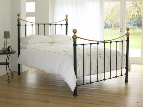 Selkirk Traditional Metal Bed / Headboard