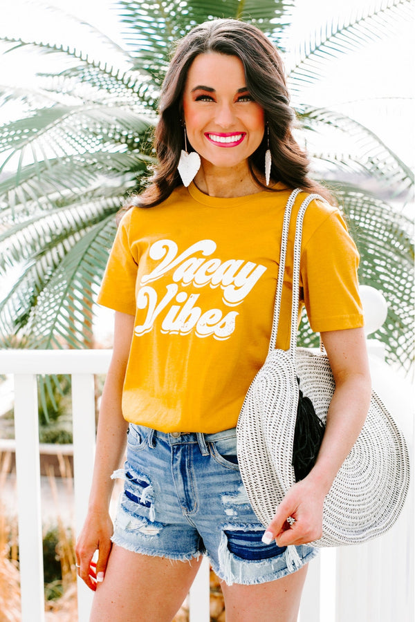 "The ""Vacation Vibes"" Tee"