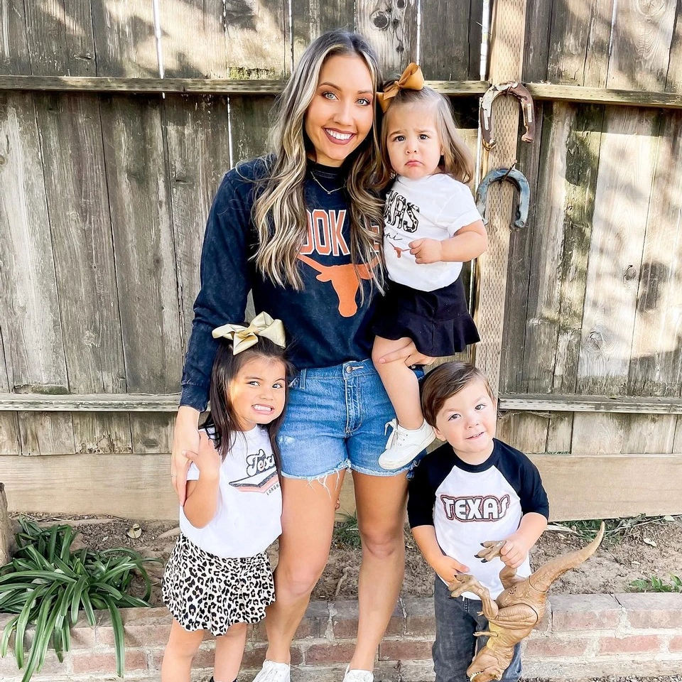 MATCHING FAMILY COLLEGE FOOTBALL GAMEDAY OUTFITS