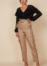 Side Pocket Detail Pants w Belt