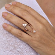 Horus Diamond Pearl Rose Gold Ring