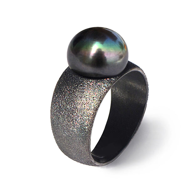 Pure Black Pearl Ring