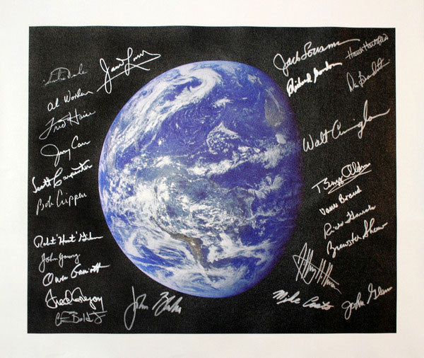 Apollo autographs moonwalkers