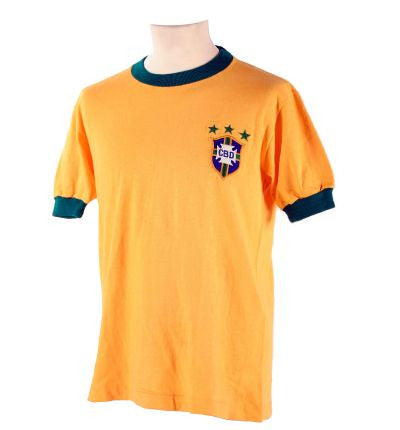 huge selection of e7f4f c4f73 Never mind Messi and Ronaldo - Pele's Last Ever Match Worn ...