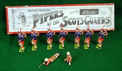 Toy Soldiers Pipers of the Scots Guards