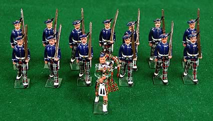 Lead toy Scottish soldiers