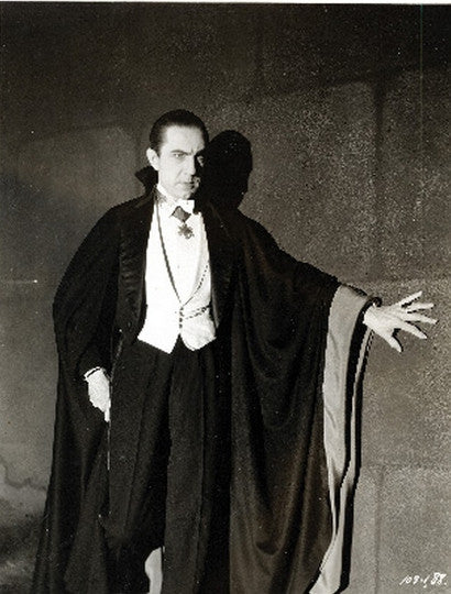 bela-lugosi-cape-from-dracula