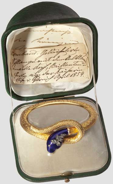 Snake bracelet belonging to Queen Marie