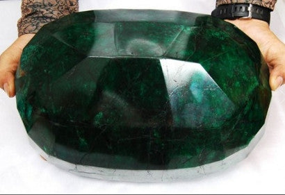 worlds largest cut faceted emerald