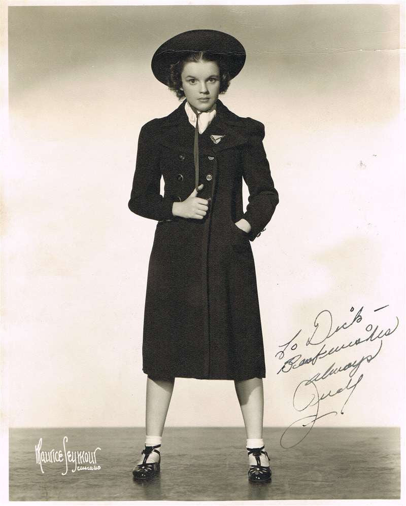 Judy Garland Autograph on Photograph