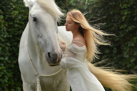 HUmans loving horses Photo