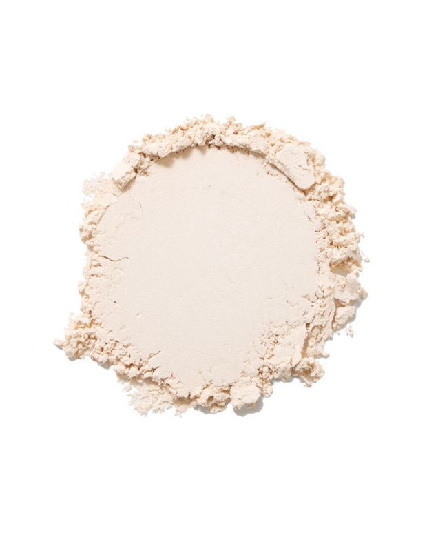 All Natural, dimethicone and talc free translucent pressed powder to help remove shine. All Natural Makeup, Skincare + Makeup. Clean Beauty. Vegan and Cruelty free makeup.