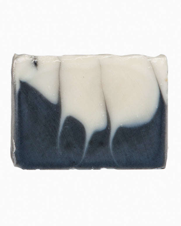 This cool and refreshing soap uses all natural ingredients, colourants, and essential oils. Annie Lake is scented with peppermint and a hint of eucalyptus and tea tree. Handmade and cured in our northern Canadian studio located in Yukon Territory.