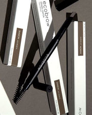 Build bold, defined brows with this smear-proof formula. It provides long lasting wear, a non-waxy natural matte finish look, and a unique slant tip for ultra-precise definition. The dual-sided Crayon features a retractable, self-sharpening brow pencil on one end and a spoolie brush for perfect blending on the other.