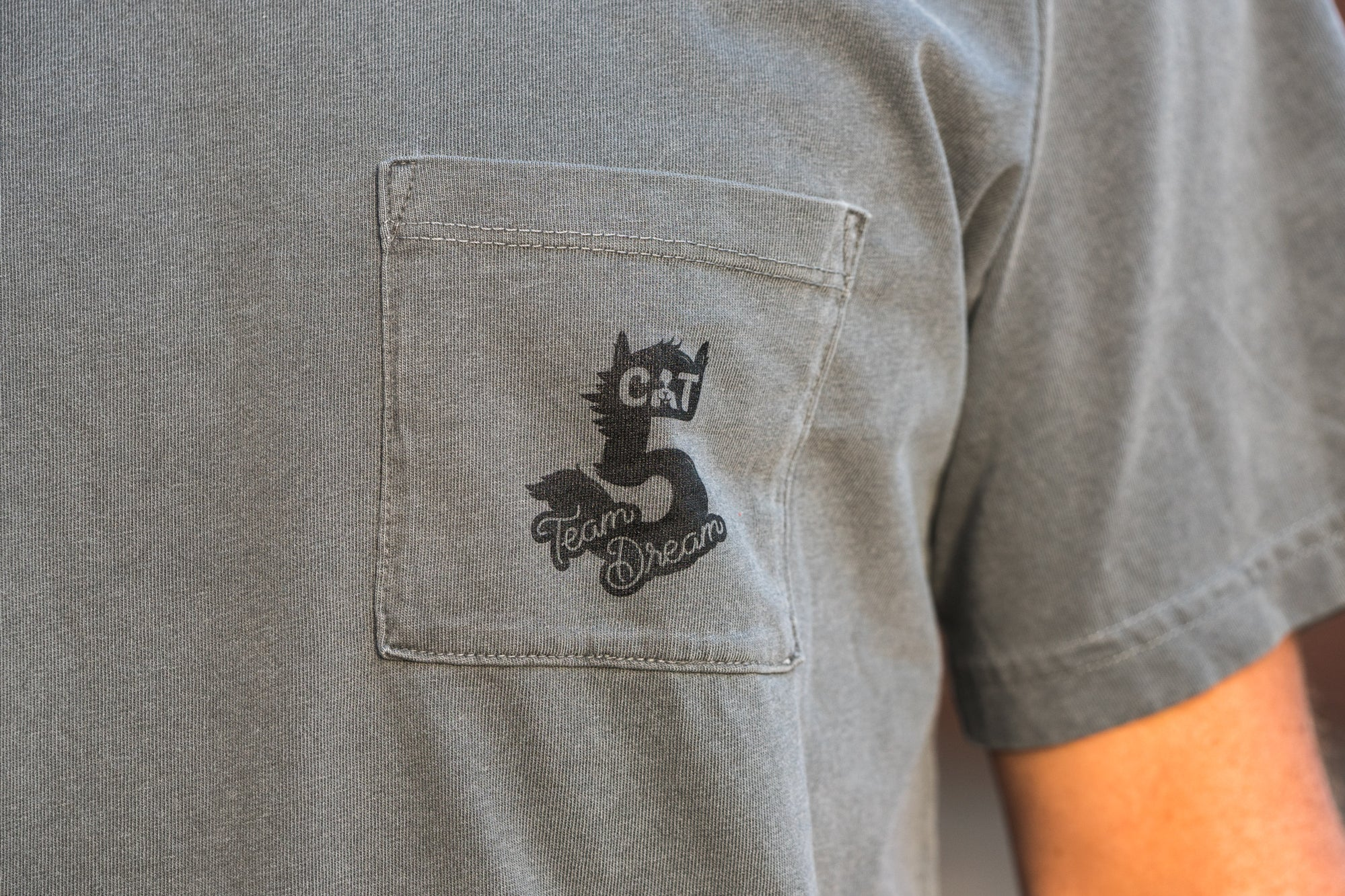 CAT 5 Heavyweight Pocket T