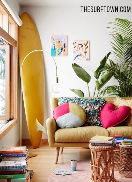 TIPS PARA DECORAR EL HOGAR CON UNA TABLA DE SURF