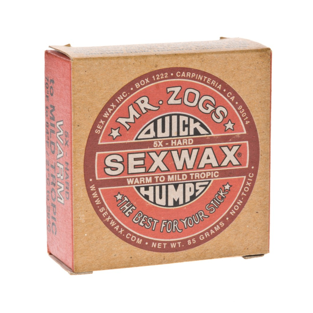 Cera para surfear en aguas cálidas, de la mítica marca Sex Wax, con un agradable olor a coco.  Sex Wax Quik Humps Red Hard Warm . Envíos Gratis españa 24 horas