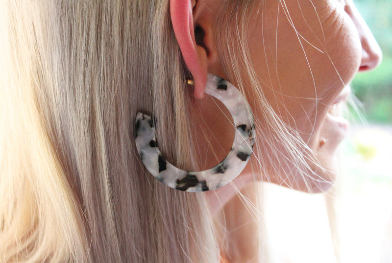 Light My Fire Tortoise Hoop Earring - Black And White
