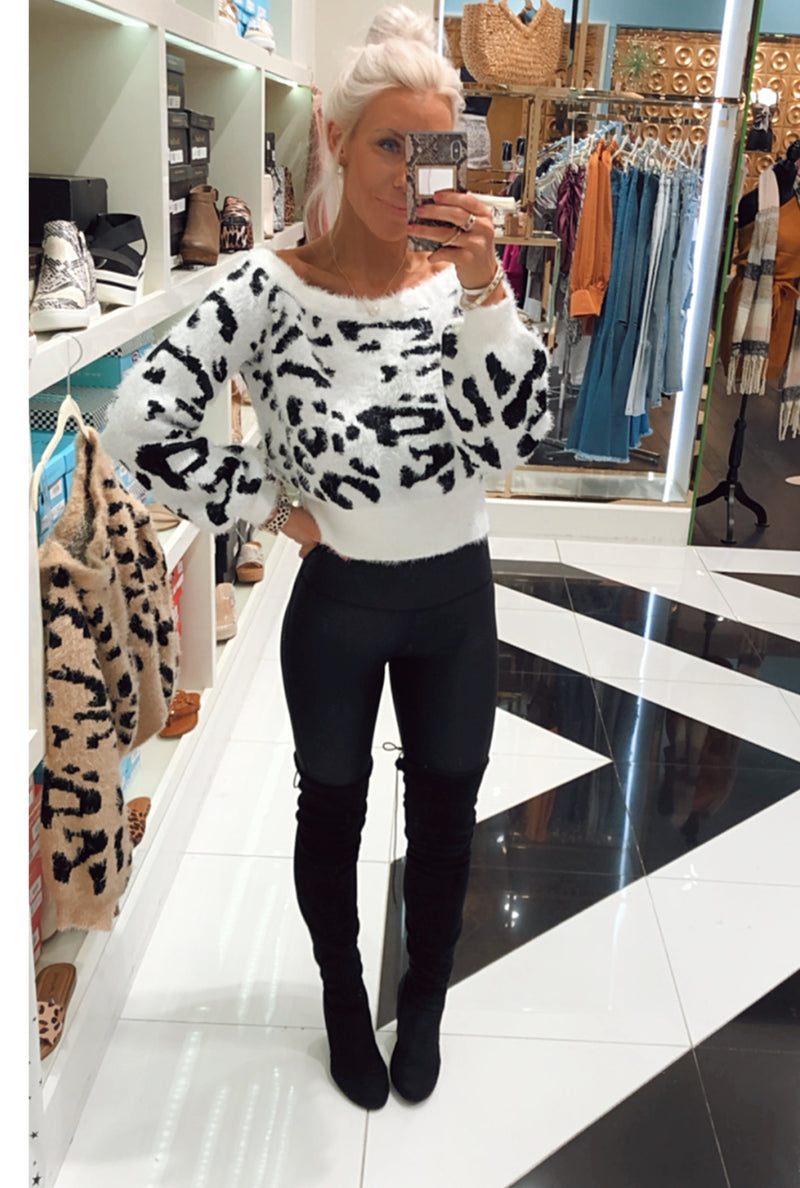 Fuzzy Leopard Bubble Sleeve Crop Sweater - Kendry Collection Boutique