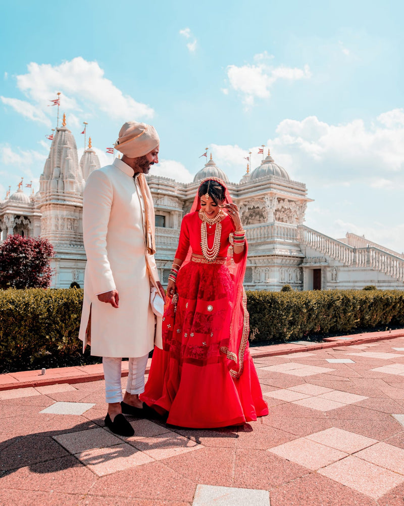 This week's entry follows the wedding journey of Seema Parekh, a newly-wed bride from this year! Seema is one of Mani Jassal's first clients from the ...