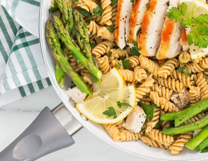 Lemon Chicken Pasta with Asparagus & Green Beans