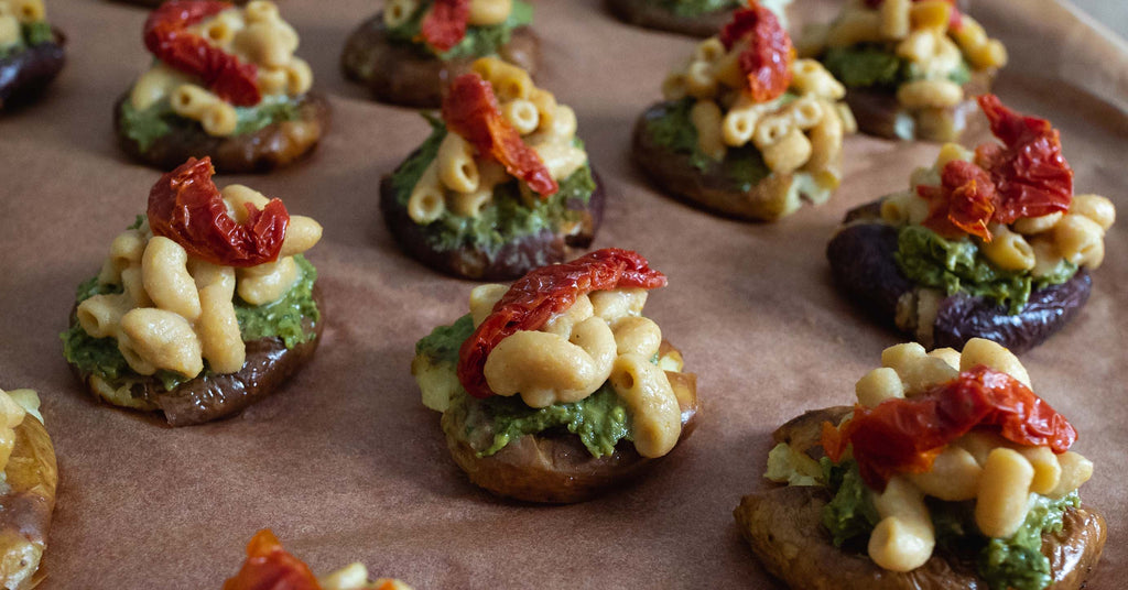Pesto and Sun-Dried Tomato Mac Bites