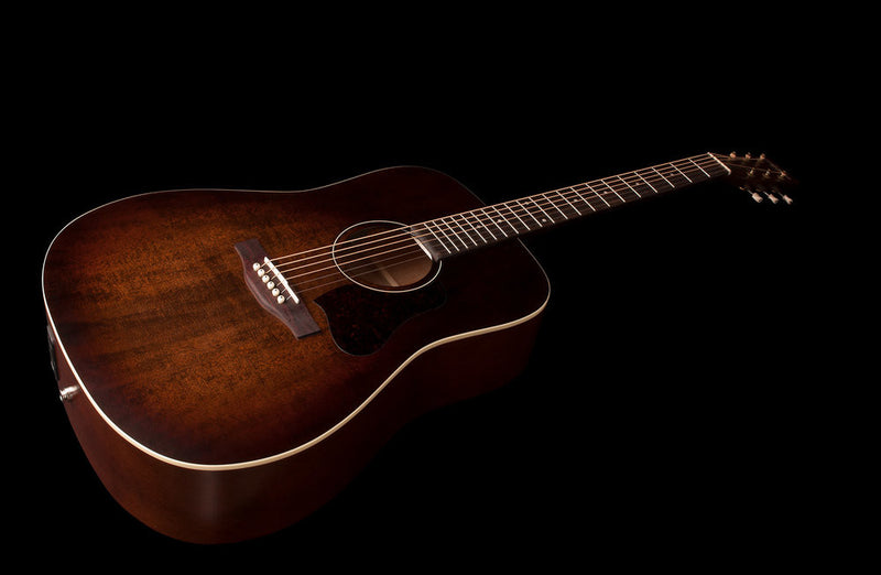 Art & Lutherie Americana Dreadnought Guitar