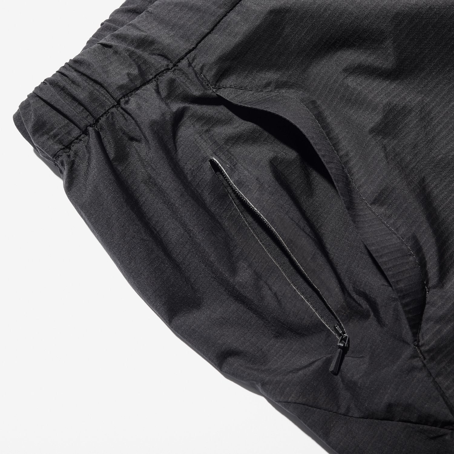 WOVEN LIGHT SHORTS BLACK
